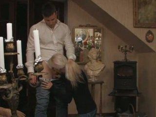 Ładniutka blondynka szwedzkie nastolatka i jej boyfriend