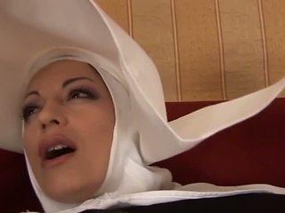 Vroče analno italijanke nuna: brezplačno milf porno video f4