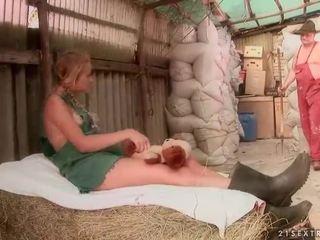 Vecchio farmer scopata caldi giovanissima ragazza