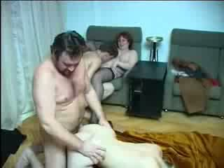 Keluarga incest seks pesta seks berkumpulan