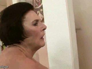 שמנמן סבתא enjoying נבזי סקס