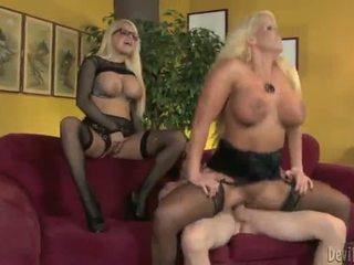 Alura jenson és jacky joy two nagy titted blondes having shaged