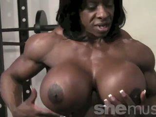 Ebenholts female muscle