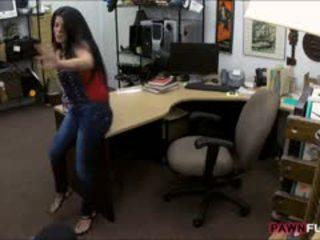 Uly emjekli kubaly jatty sells her tv and fucked in the gizlin otag