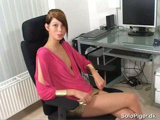 brunette, trẻ, thủ dâm