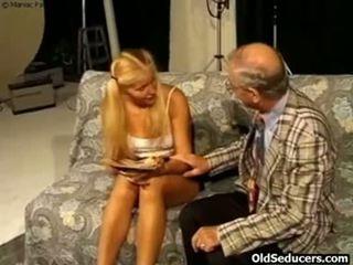 Teeny gefickt von rallig großvater