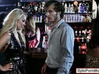 Seksikas blond hottie aaliyah armastus stuffed sisse the klubi