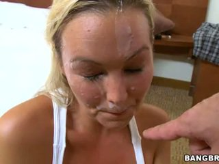 Abbey brooks amour la spunk fountain flowing sur visage