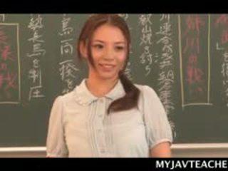 Superb एशियन बॅलरीना निर्माण उसकी students हॉर्नी पर स्कूल