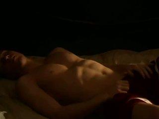 Musculosa amadora tw-nk a masturbar sua thick caralho