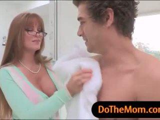 Mama vitrega darla crane in trei sex cu adolescență pe the pat