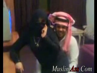 Niqab scandal βίντεο