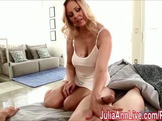 セクシー 熟女 julia ann gives 手コキ へ wake 彼に アップ! - ポルノの ビデオ 551