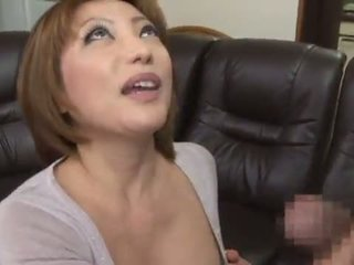 Schattig en gekruid chinees reiko kagami giving een geil lik