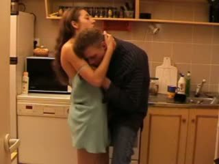 Daddys ابنة مارس الجنس في ال مطبخ فيديو