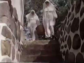 Depraved seksi of nuns