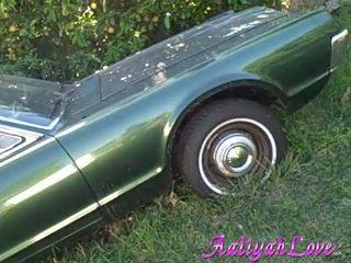 Aaliyah kärlek lascivious baben liknande henne green bil