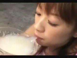 Asiatique foutre drinkers