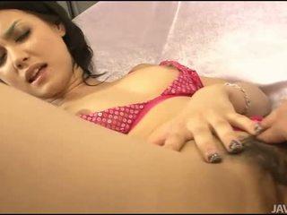 Sekss ar aziāti matainas gal