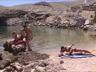 סקסי blondes מזוין ב יווני island וידאו