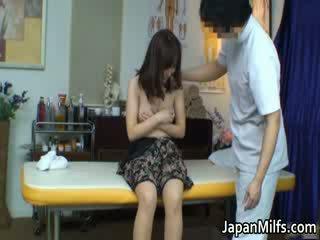Extremely καυλωμένος/η ιαπωνικό milfs τσιμπουκώνοντας