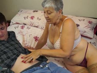पुराना महिला savana गड़बड़ द्वारा स्टूडेंट sam bourne द्वारा agedlove