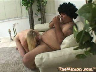 Aaliyah jolie yemek kapalı bir tüylü götten deli arasında bir cubby chap