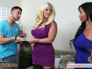 Chesty cougars Alura Jenson and Jewels...
