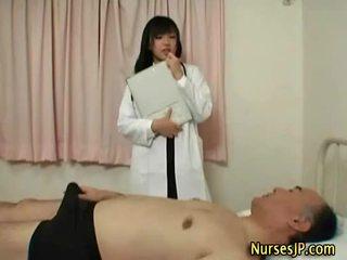 חם סקסי אסייתי doc feels סביב