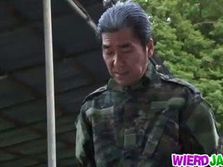 Wierd japan: japanisch milf got tied nach oben und tortured nackt