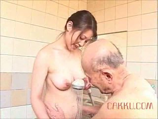 Maki tomoda vechi om și milf 2