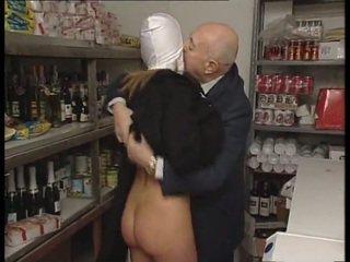 尼姑 & 臟 老 男人. 無 性別