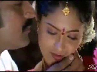 Telugu aktris raasi seksi pertama malam adegan