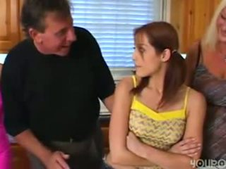 늙은 단계 아빠 seduced 젊은 귀여운 비탄 딸