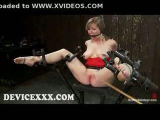Związanie adrianna nicole gets flogged i cipka toyed