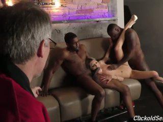 年輕 妻子 does 烏龜 3sum 為 該 老 男人 - 色情 視頻 051