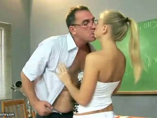 Seksi tugjob islak gömlek ipek etrafında mini etek pedagogue