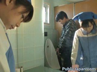 Asiatisk knullet på toalett