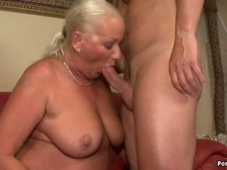 Голям бюст бабичка анално: безплатно реален бабичка порно hd порно видео 77