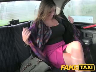 Faketaxi velika prsi bejba takes to od zadaj - porno video 591