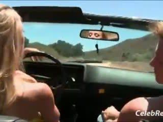 বিনয়ের, বিগ boobs