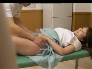 Krūtinga paauglys japoniškas