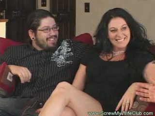 Slutty berkahwin wanita rides zakar/batang pov