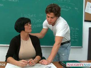 Bevállalós anyuka -ban szemüveg shay fox fasz -ban osztály