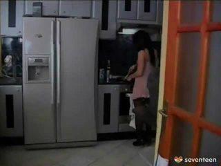 Screwed onto the virtuvė lentelė