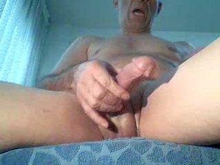 Spycam masturbates menonton porno, extrem puncak syahwat!