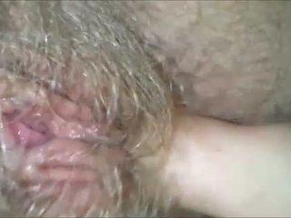 Licking tema karvane, märg, granny puss