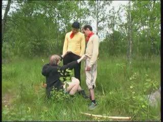 Boys and Woman: Free Mom Porn Video e2