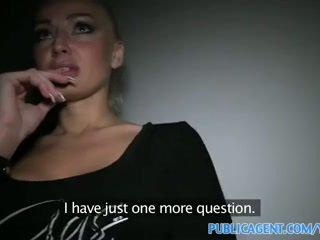 Publicagent tattooed blondinke model sprejmejo denar za seks