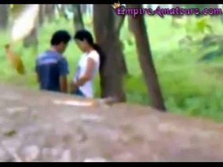 คนจีน คู่ โดนจับได้ ร่วมเพศ ใน the woods